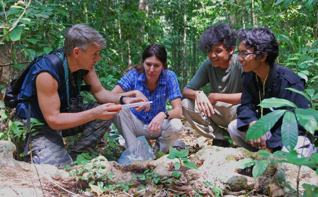 Randy Kyes conducting field course on Tinjil Island in 2015.